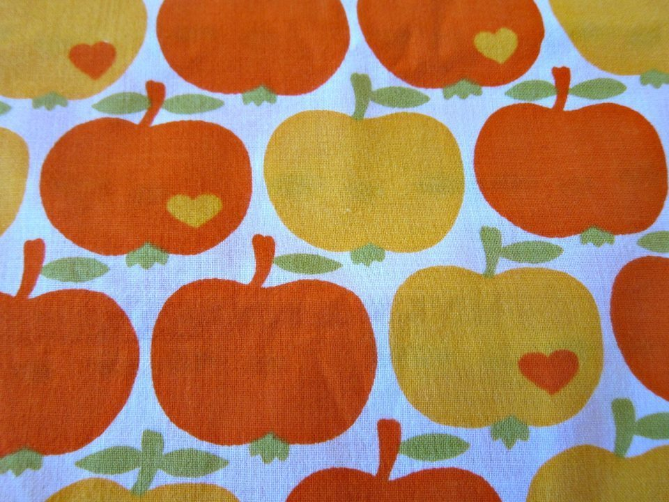 Grazielaオレンジ色のりんごモチーフ-幅92cm.jpg