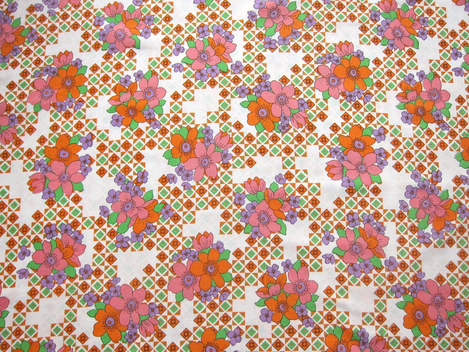 オレンジとピンク色のレトロ花柄ヴィンテージ生地 幅115cm Frau Vintage