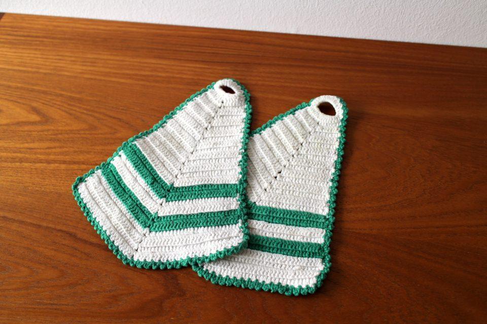 70年代爽やかグリーンのストライプ-レトロな手編みの鍋つかみ2枚セット.jpg
