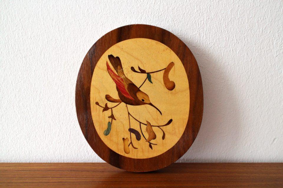 -レトロな象眼細工の木製壁掛け鳥.jpg