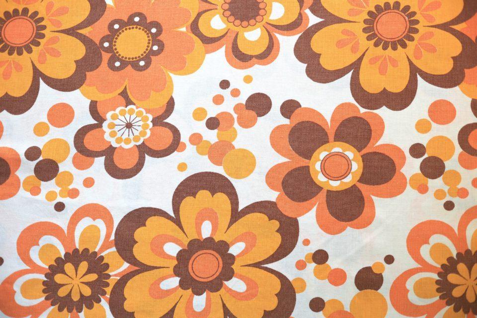 オレンジ系レトロフローラル柄ヴィンテージ布 幅125cm