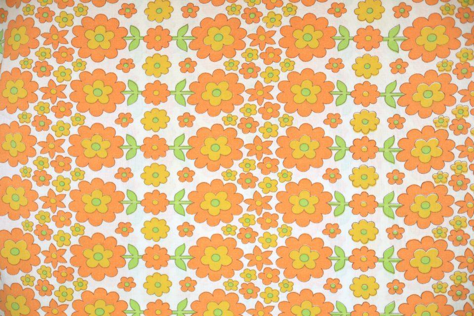 賑やかなオレンジフラワー柄ヴィンテージファブリック 幅122cm