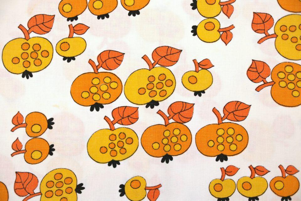 秋色りんご柄ヴィンテージファブリック 幅93cm