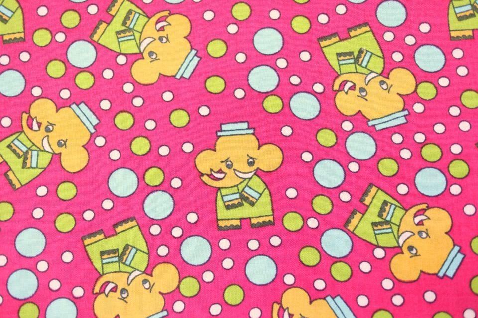 象さんとシャボン柄 濃厚ピンクのヴィンテージファブリック 幅70cm