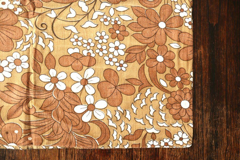 茶色花柄ヴィンテージピローケース 北欧ファブリック
