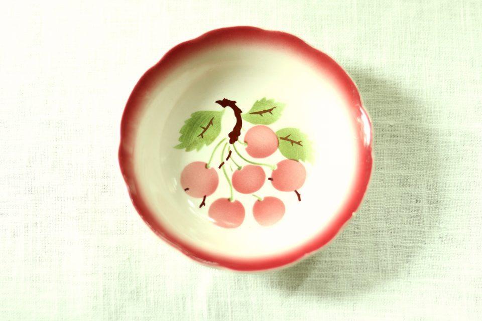 ハンガリー産 GRANIT さくらんぼ柄レトロ小皿
