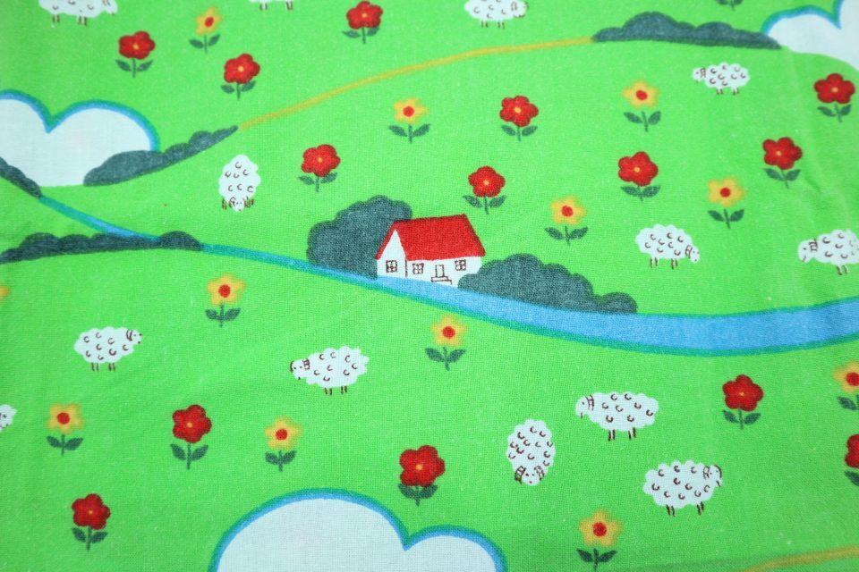 赤い屋根の丘の家 ヴィンテージファブリック 幅93cm