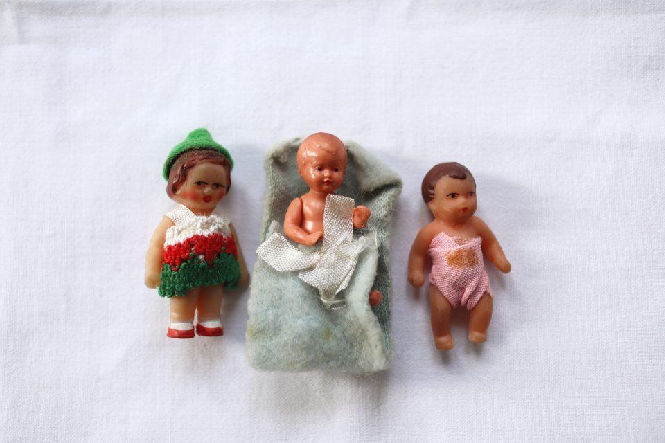 民族衣装ほかヴィンテージラバー人形3体セット