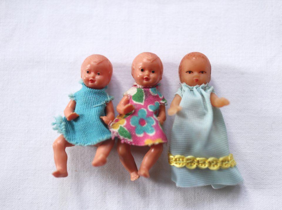 蚤の市で見つけた小さな赤ちゃん人形