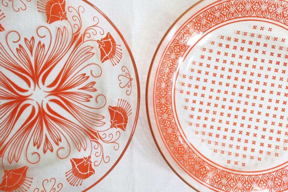 情熱的な朱色カラー RETROなガラスデザート皿2枚組