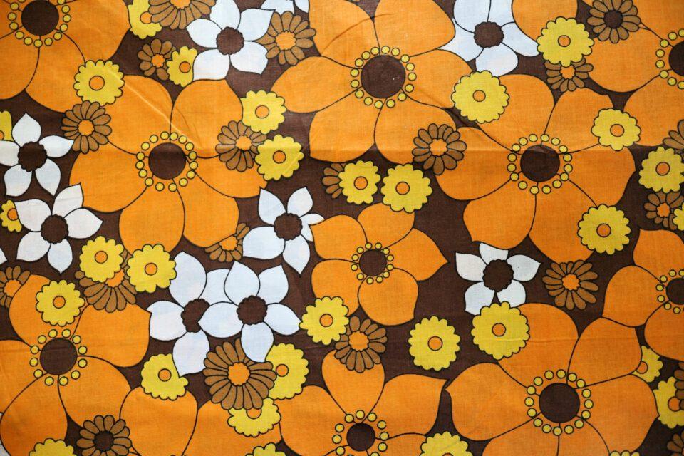 ザ・レトロ花柄 暖色系ヴィンテージファブリック 幅128cm