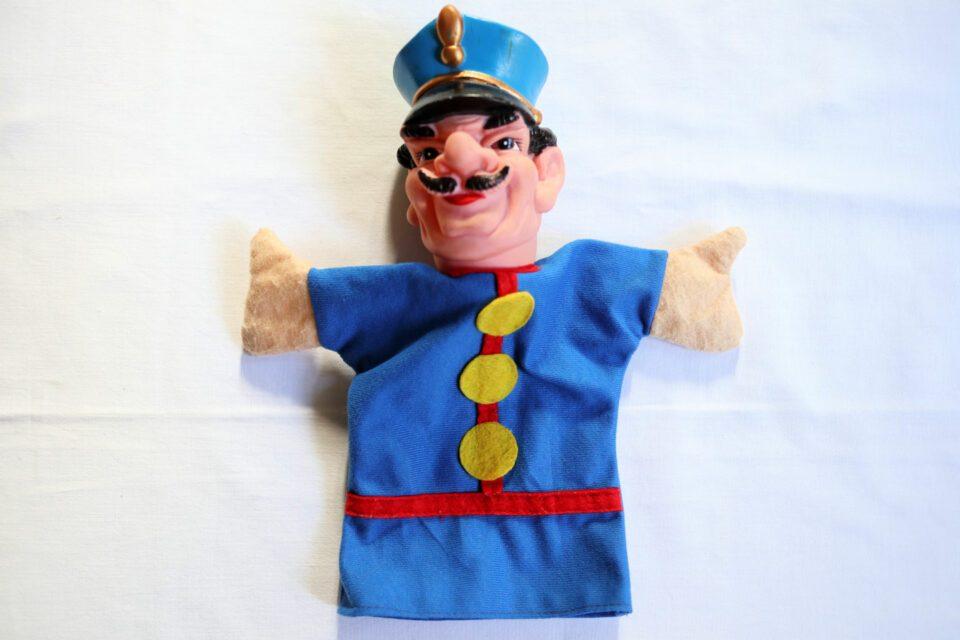 独ヴィンテージ人形 おひげの護衛警察官ハンドパペット