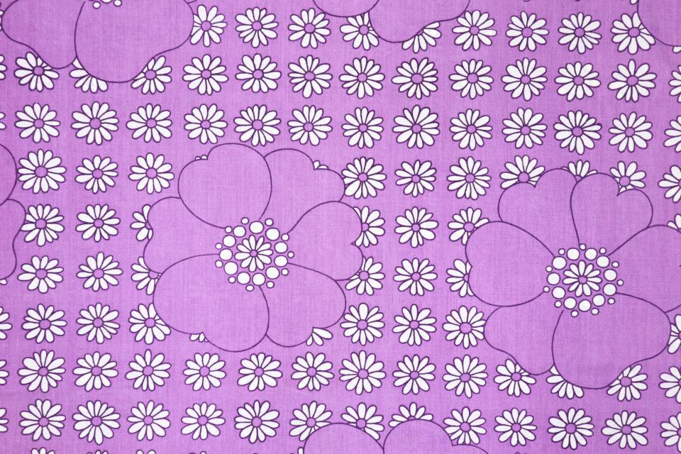 超ワイド幅 薄紫色花モチーフ入りヴィンテージ布 幅142cm