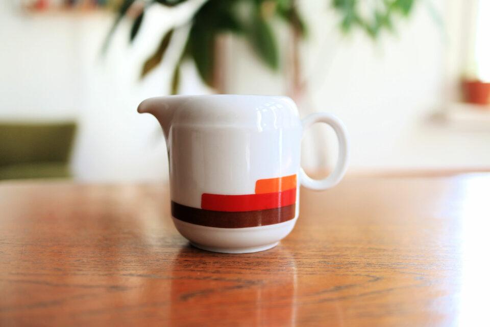 ノスタルジックな Seltmann Weiden製レトロミルクジャグ