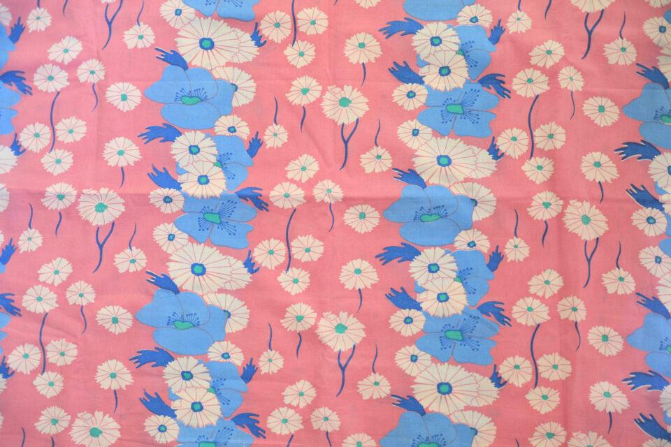 ピンクとブルーのお花 レトロ柄ヴィンテージ布 幅130cm